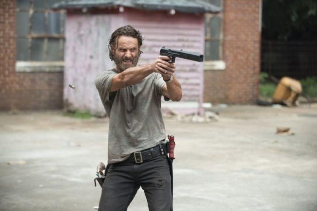 """2. HBO rechazó la serie por que le parecía demasiado violenta, irónicamente meses después estrenó """"Game of Thrones"""" una serie en la que habían decapitaciones y zombis Foto:AMC"""