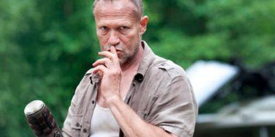 """4. ¿Se acuerdan cuando """"Merle"""" empezó a disparar desde la azotea de un edificio con un rifle francotirador en la primera temporada? Foto:AMC"""