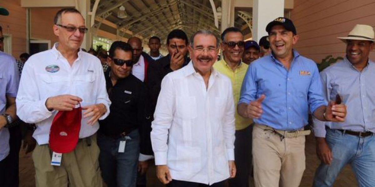 El Presidente Danilo Medina autoriza un 5% de crédito a ganaderos de Puerto Plata