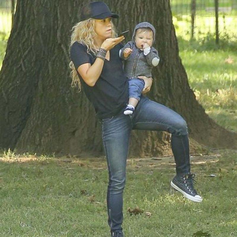 Su hermano de tan solo 8 meses es Sasha Piqué Foto:Grosby Group