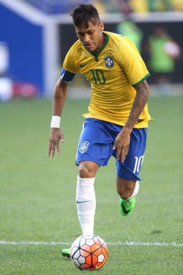 """Brasil tiene que hacer muy bien las cosas durante las primeras dos fechas del torneo, pues hasta la tercera Neymar estará de vuelta. El talentoso jugador tendrá a su cargo la responsabilidad de hacer brillar a la """"Verdeamarela"""" nuevamente. Foto:Getty Images"""