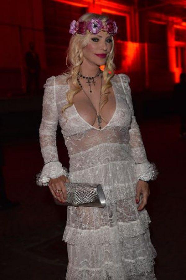 Ilona Staller no es muy conocida por los jóvenes de hoy. Pero para uno de sus diseñadores adorados, Ricardo Tisci, de Givenchy, es una musa. Foto:vía Getty Images