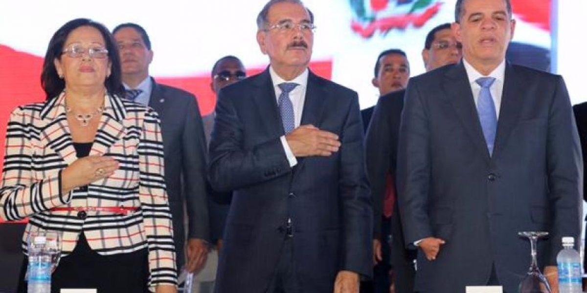 El presidente Danilo Medina inaugura 35 nuevas aulas en Baní
