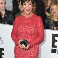 """Y un año después, Kris Jenner usó el mismo vestido durante un evento del canal """"E! Entertainment"""" Foto:Getty Images"""