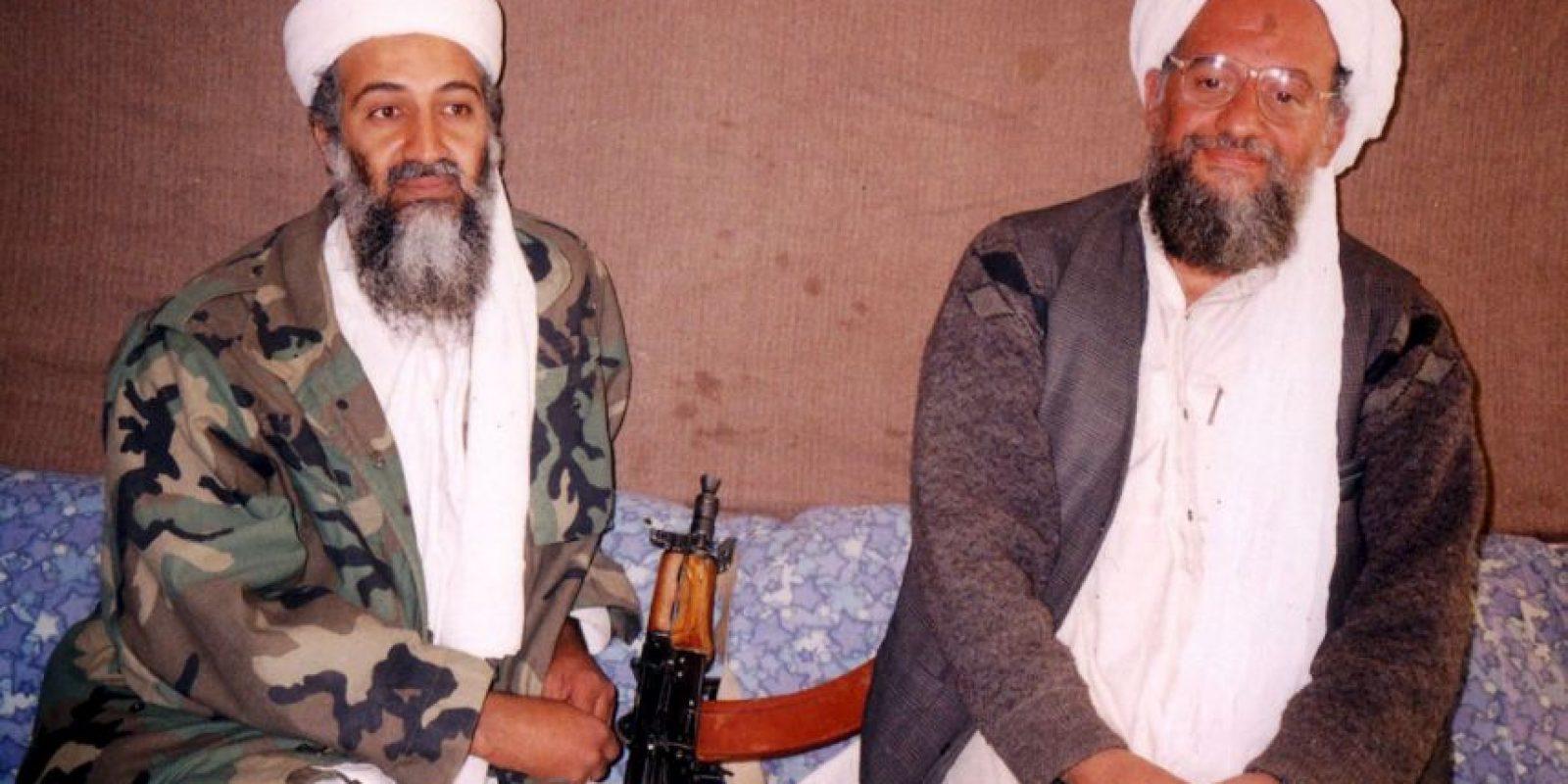 Osama bin Laden (izquierda) era el líder de una red de terroristas en Al Qaeda. Foto:Getty Images