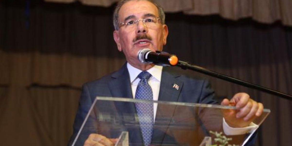 Danilo Medina encabeza acto en el Día del Retirado de las Fuerzas Armadas