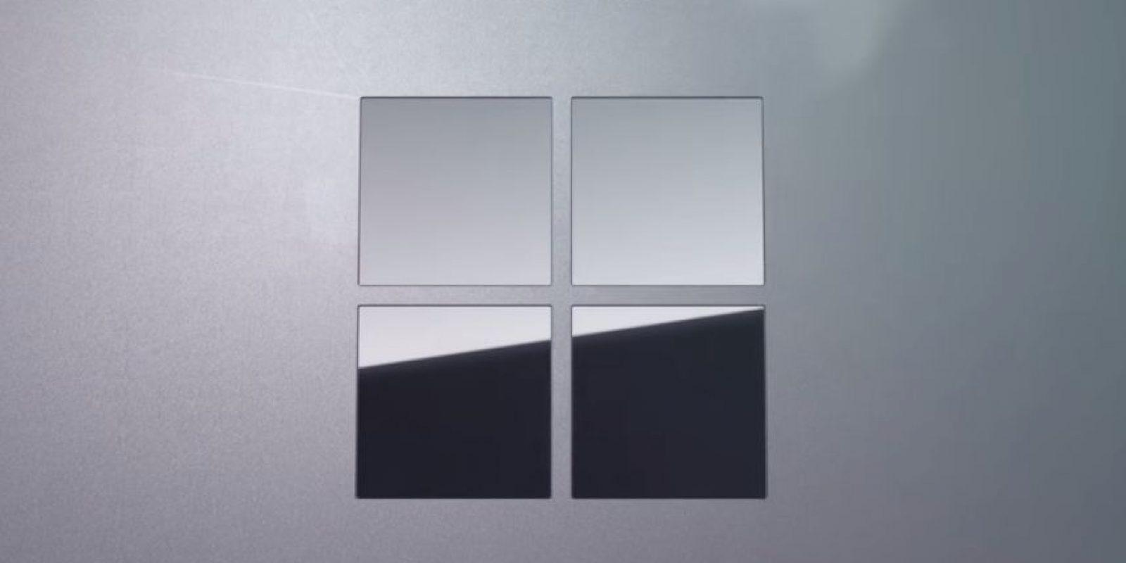 El brillante logo de la compañía en este dispositivo. Foto:Microsoft