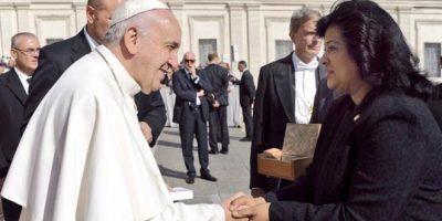 Presidenta del Senado visita al Papa Francisco en el Vaticano