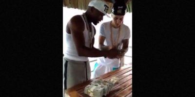 Finalmente, han publicado un video en el que se encuentran contando fajos de dinero Foto:Instagram/mayweatherunlimited