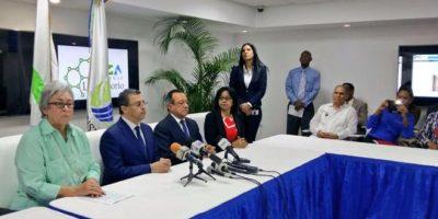 "Ministra de Salud dice que es ""urgente"" recoger desechos para evitar criaderos mosquitos"