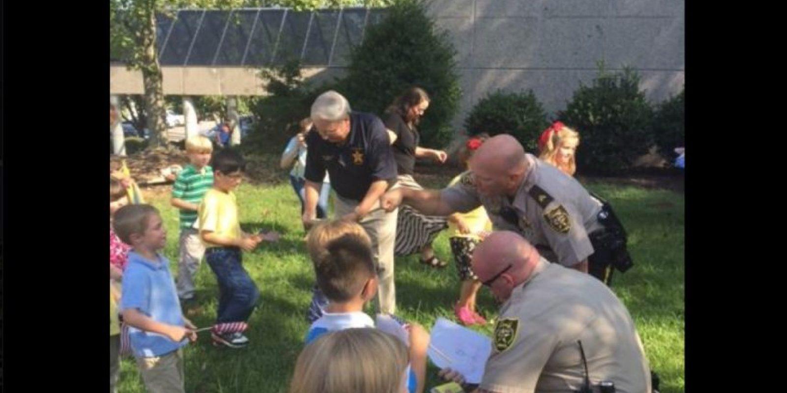 Lindley trabaja con la policía del condado Jefferson, Alabama. Foto:Vía facebook.com/JeffersonCountyAlabamaSheriffsOffice