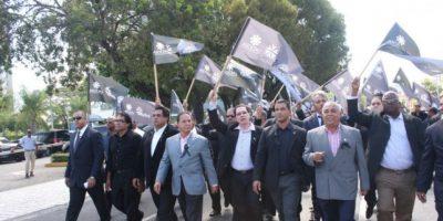 Importadores de vehículos protestan ante Aduanas por