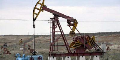 El petróleo de Texas sube un 3,38 % y cierra en 49,43 dólares