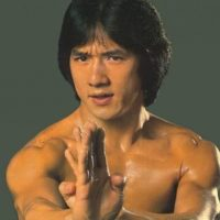 El famoso artista marcial, productor, actor y director ya tiene 61 años.