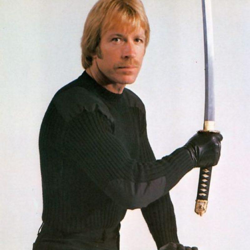 """Comenzó como rival de Bruce Lee en los años 70 y luego se hizo popular por su serie """"Walker, Texas Ranger"""", de 1993 a 2001."""