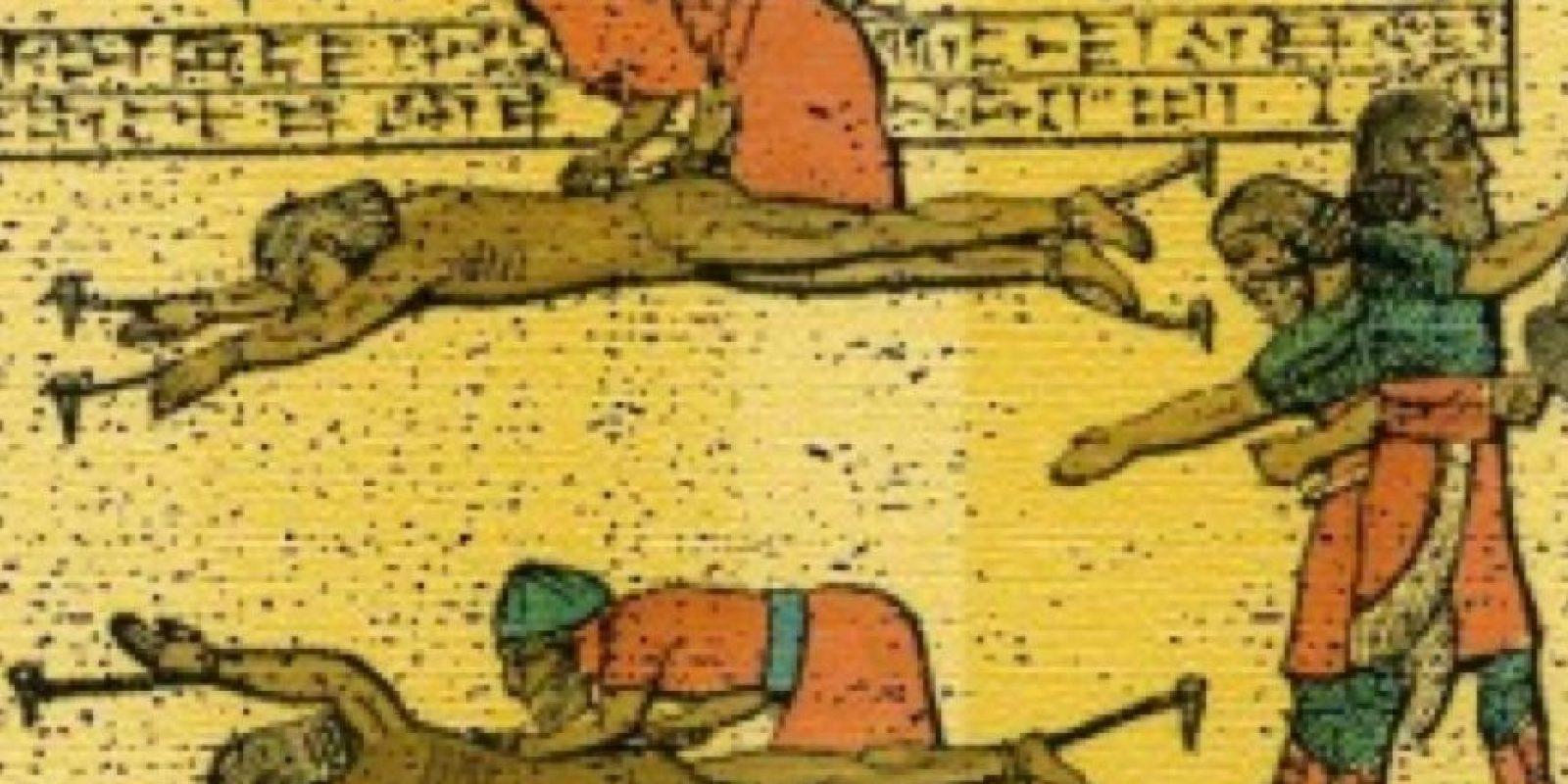 Un método antiguo que consiste en arrancarle la piel al sujeto vivo. Foto:vía Wikipedia