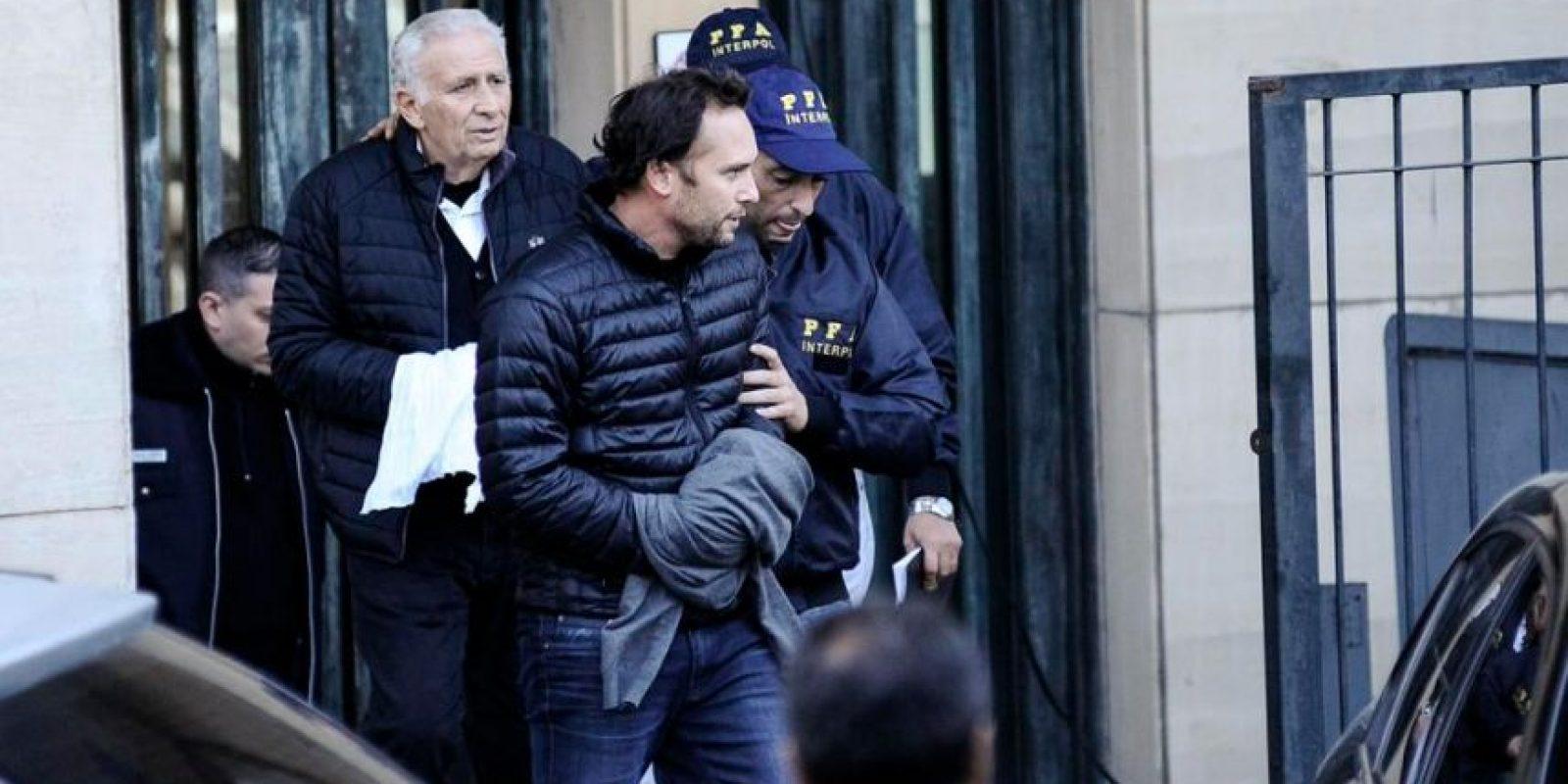 Acusados de corrupción y sobornos a miembros de la FIFA, estuvieron prófugos desde el 27 de mayo, hasta el 18 de junio, día en que se entregaron. Fueron liberados en el mes de agosto, pero se mantienen bajo arresto domiciliario. Foto:Vía twitter.com/fede_oliva