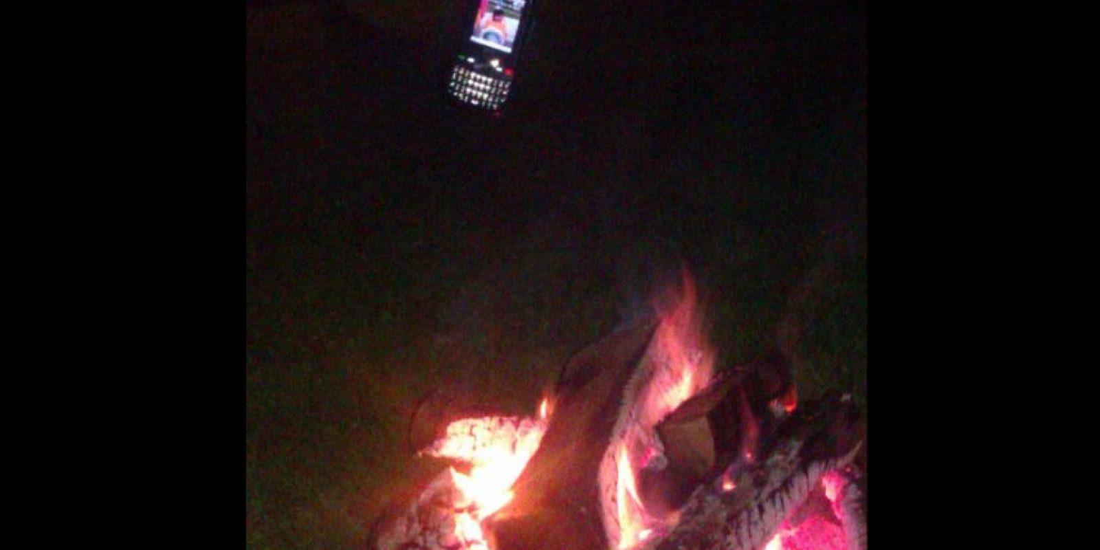 Pero si no se tiene la altura necesaria el fuego también funciona Foto:Vía Twitter @kamisado45
