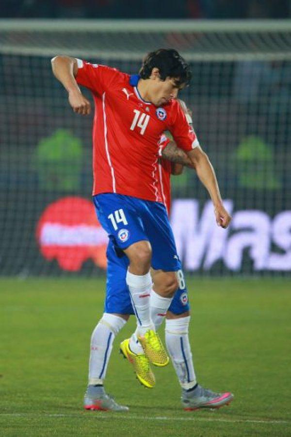 En los poco más de 20 minutos que jugó, completó el 90% de los pases y cambió el rumbo del juego. Además, con un tiro libre le puso a Vargas el balón para rematar y marcar el primer gol sobre Brasil.