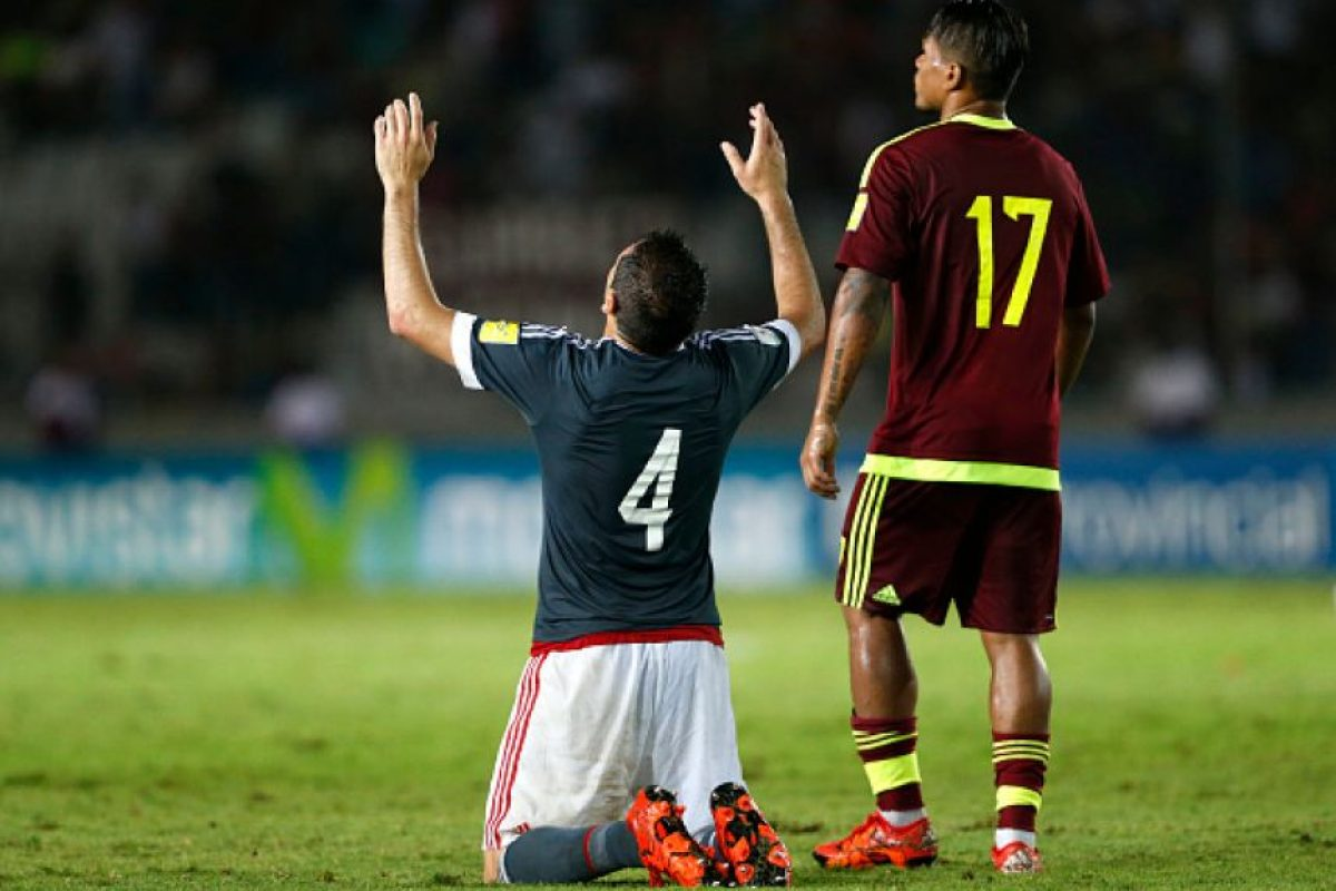 Se complementó a la perfección con Paulo da Silva y su coordinación fue muy efectiva. Mantuvieron a raya a los delanteros rivales cuando los tuvieron encima. Foto:Getty Images