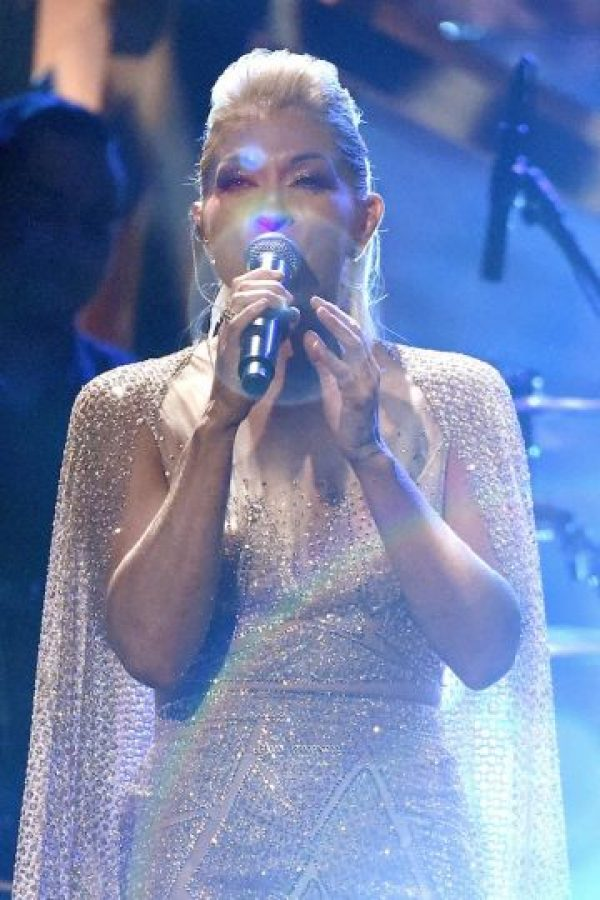 Yuri hizo gala de su voz en el escenario. Foto: Getty Images