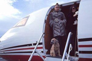 """""""Mile High Club"""", se refiere a las personas que tuvieron sexo en un avión. Foto:vía instagram.com/jlo"""