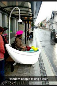 """""""Gente al azar tomando una ducha"""" Foto:Snapchat"""