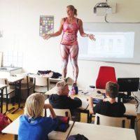 Y así enseña a sus alumnos. Foto:Vía Facebook/Groenehartscholen