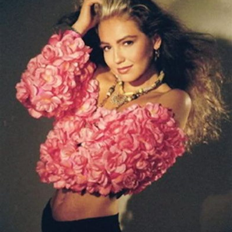 Su primer disco como solista salió en 1990. Foto:vía facebook.com/YoLeiaLaRevistaEres