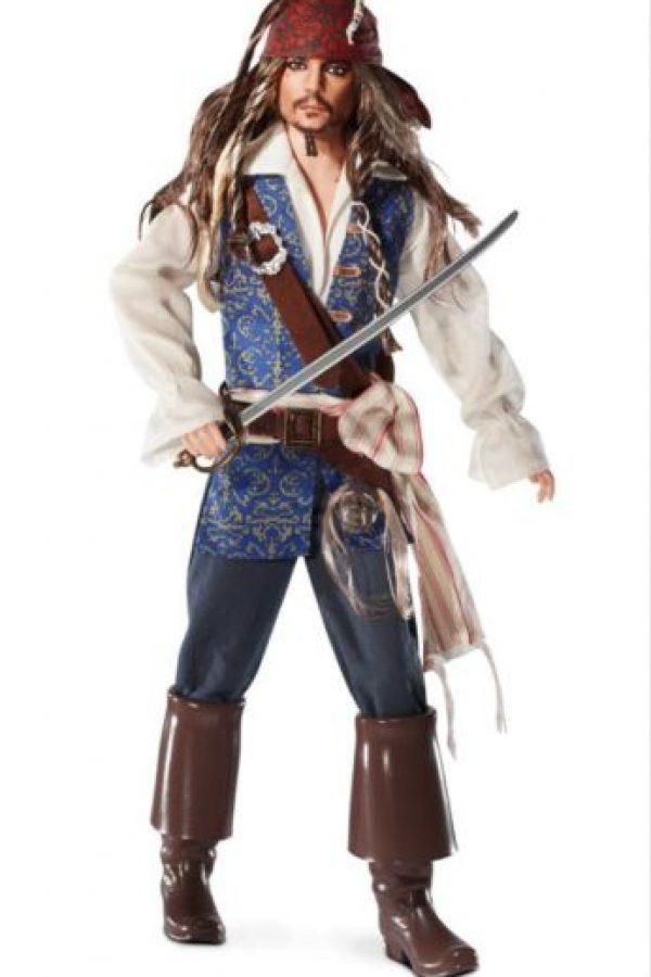 """Johnny Depp en """"Piratas del Caribe"""" Foto:vía Mattel"""