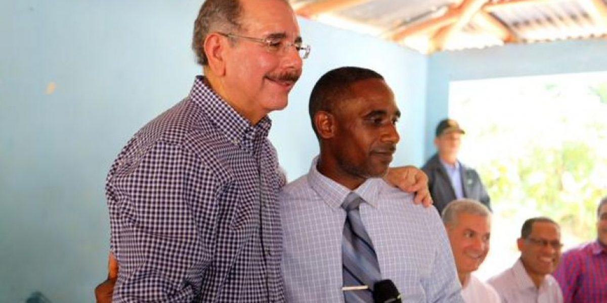 Presidente Medina otorga financiamientos a productores de cacao