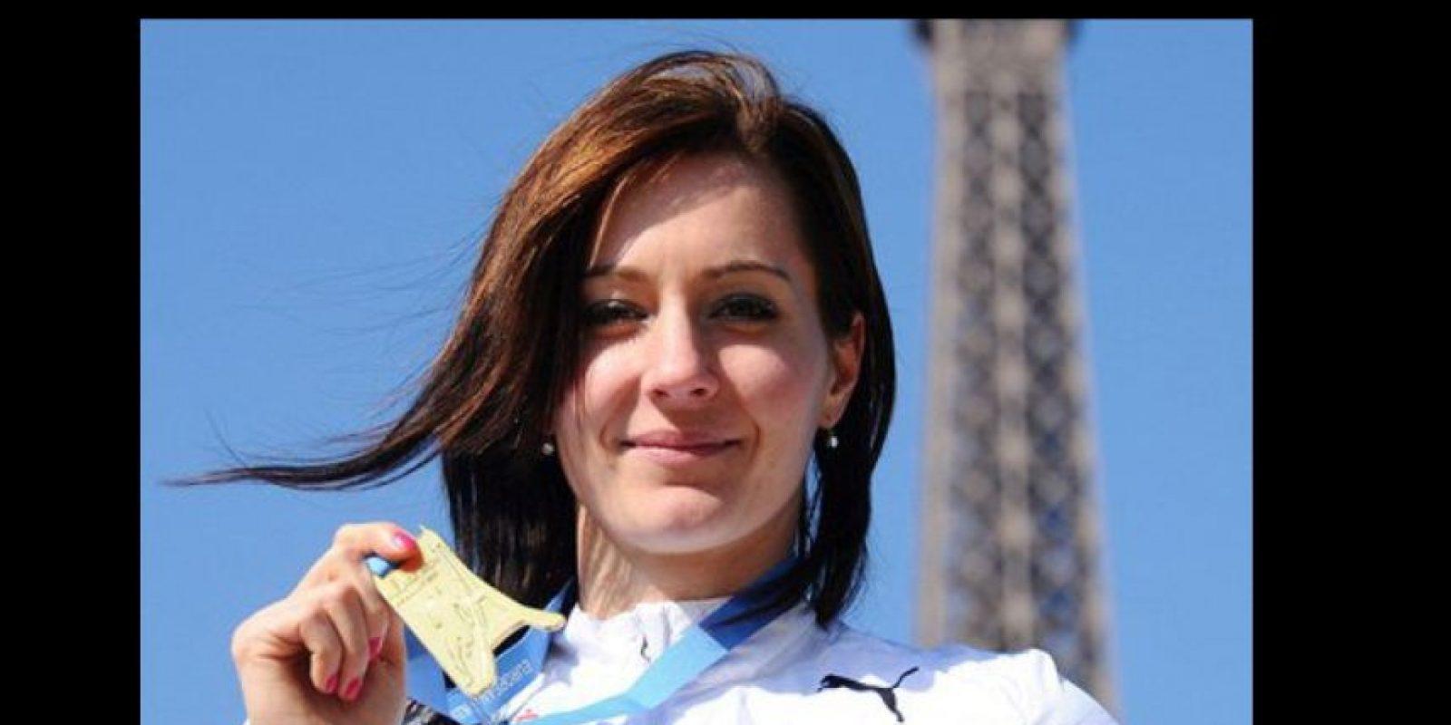 Compite en salto de longitud, 400 metros, 4X400 metros, 400 metros vallas y heptatlón Foto:Vía facebook.com/denisa.rosolova