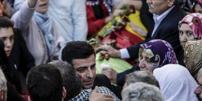 Tenía como objetivo buscar la paz entre entre el Estado turco y el grupo militante kurdo PKK Foto:AFP