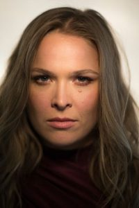 Es la campeona de Peso Gallo de Mujeres de la UFC y además, invicta en las 12 peleas que ha disputado. Foto:Getty Images