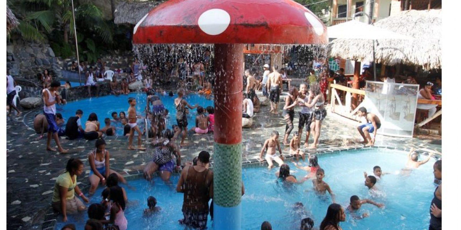 En Santo Domingo, las piscinas fueron la opción para capear el calor Foto:Roberto Guzmán