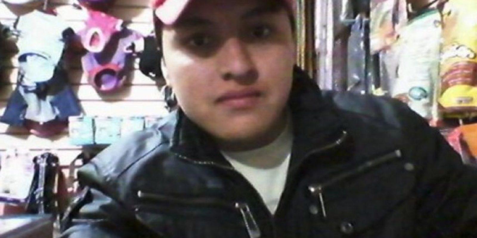 Óscar Otero Aguilar, de 21 años, murió cuando quiso tomarse un selfie con un arma de fuego Foto:Twitter.com – Archivo