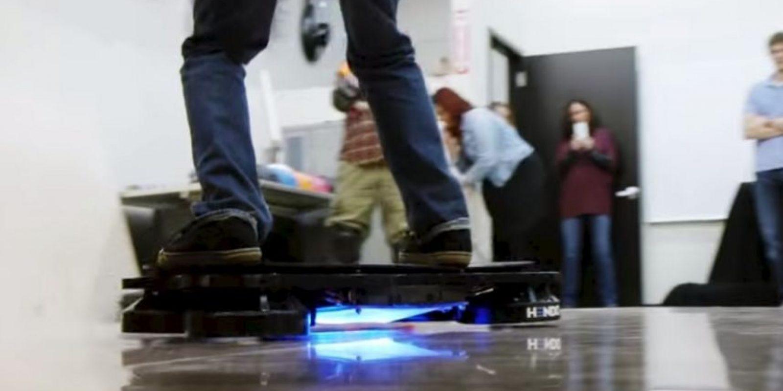 Aseguraron ser la primera hoverboard real del mundo. Foto:Hendo