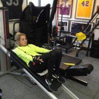 La rubia entrena cinco días a la semana haciendo desde Pilates hasta box o cardio. Foto:Instagram/KhloeKardashian