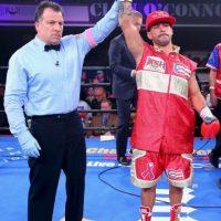 Su récord es de 26 peleas, con 24 victorias (cinco de ellas por nocaut) y dos derrotas. Foto:Getty Images