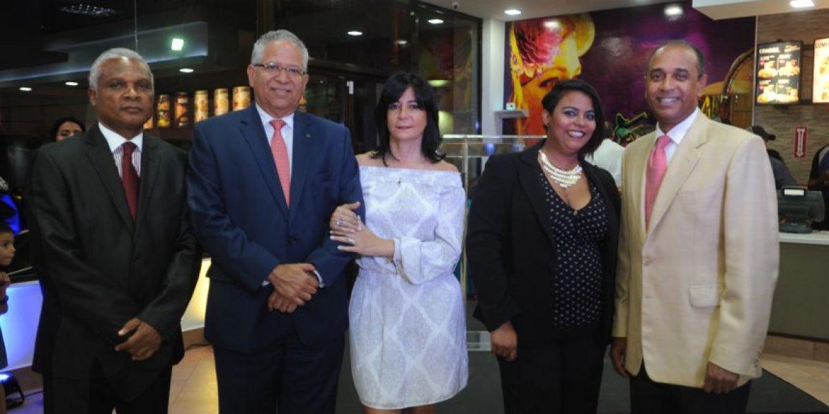 Nuevo concepto de comida rápida llega a Santo Domingo