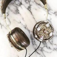 Audífonos Dolce Gabanna de Kylie Jenner Foto:Instagram/ellecanada