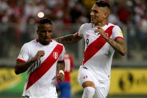 Tuvo una gran actuación ante Chile, siempre ofensivo, siempre peligroso y marcó un doblete. Lamentablemente para él no fue suficiente para darle la victoria a Perú. Foto:Getty Images