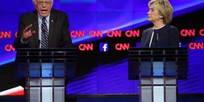 Clinton arranca el debate demócrata prometiendo luchar contra la desigualdad