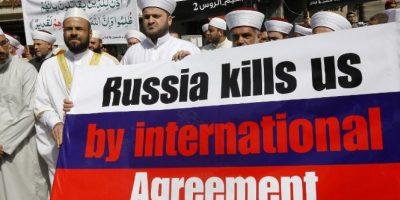 Mientras tanto, en Libia se manifestaban en contra Foto:AFP