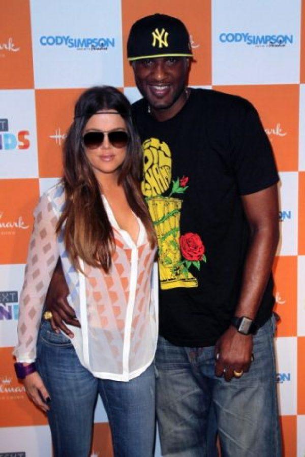 Este mes de agosto, semanas después de que su divorcio supuestamente se había hecho oficial, Odom fue captado acosando en la calle a Khloe Kardashian. Foto:Getty Images