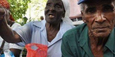 Cañeros vuelven a manifestarse para pedir aumento de pensiones