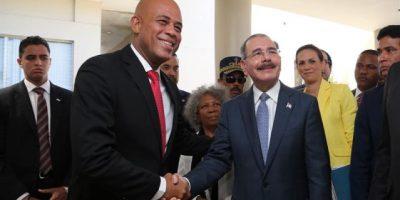 Critican a Haití por mantener veda a productos tras reunión Martelly y Medina