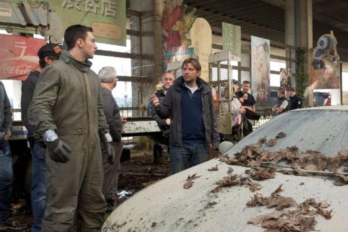 """""""Godzilla"""" es una de las referencias más populares de la cultura japonesa del siglo XX, siendo descrita como un enorme dinosaurio mutante, quien generay salva del caos a Tokio y al mundo entero. Foto:IMDb"""