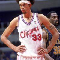 Jugó a finales de los años 90 en la NBA. Su adicción era tan grande que admitió que fumaba mariguana en e mediotiempo de los partidos Foto:Getty Images
