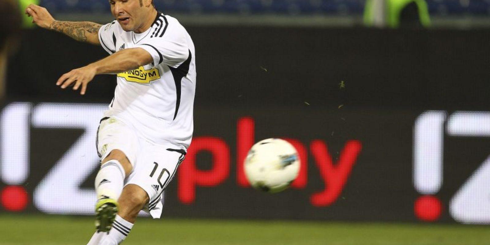 Adrian Mutu: El rumano llegó al Chelsea en 2003 y una vida sin descontrol se apoderó de él. Foto:Getty